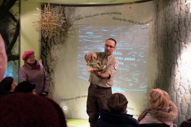 Uczestnikom zaprezentowano lekcje edukacyjne oferowane dla zwiedzających Fot. vrsa.lt
