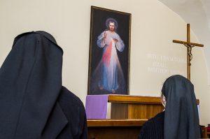 Mimo że na całym świecie bardziej znany jest obraz krakowski, w domach sióstr znajdują się najczęściej wizerunki zbliżone do wileńskiego Fot. Marian Paluszkiewicz