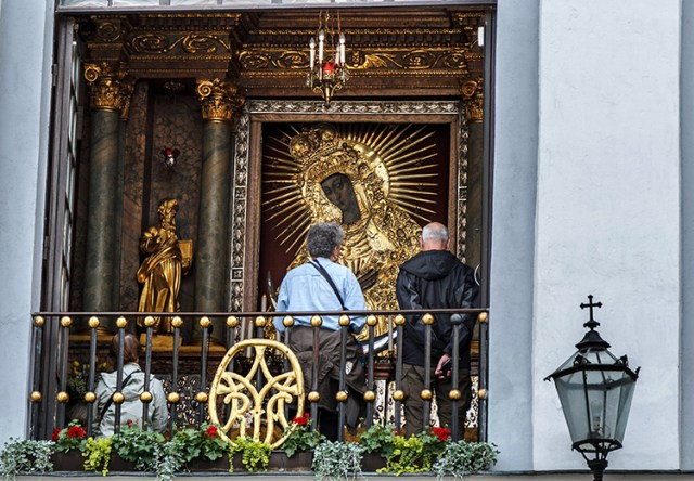 90 years passed since the coronation of the painting of Our Lady of the Gate of Dawn