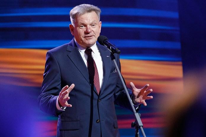 Kum oskarża Narkiewicza o nieuczciwość