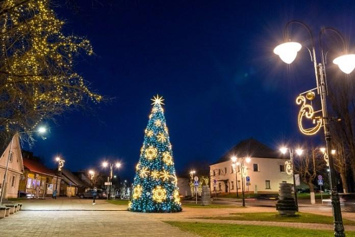 Świąteczna choinka w Niemenczynie