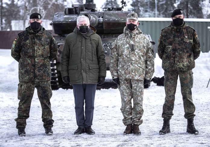 Batalion bojowy NATO w Rukłe ma nowe dowództwo — niemieckiego podpułkownika