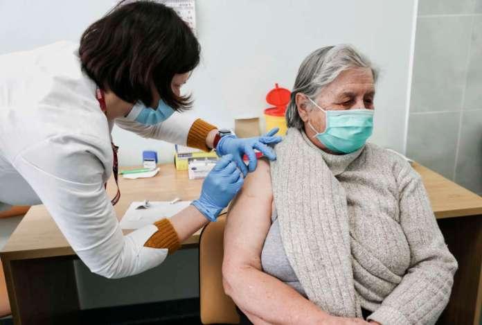 Są zarażeni po szczepieniu, ogniska wirusa także w przedszkolach
