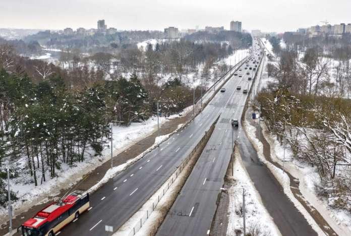 Most Wołokumpie w Wilnie, zima.