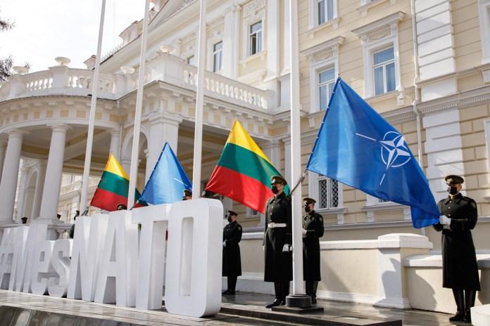 17 lat temu Litwa wstąpiła do NATO. Uroczyste upamiętnienie [GALERIA]