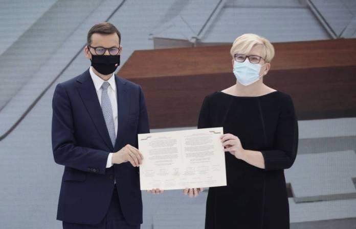 """Premierzy Polski i Litwy wbudowali kamień węgielny pod rozbudowę DKP w Wilnie. """"Dawno nie było takiego okresu"""""""