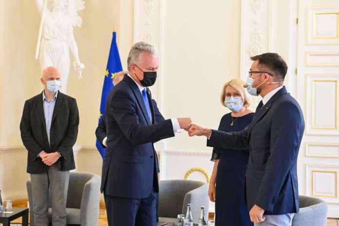 """Nausėda na Forum Zdrowia: """"Szczepionki rok po rozpoczęciu pandemii to niesamowity wynik"""""""