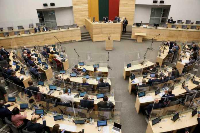 Sprawy polskie wrócą w jesiennej sesji Sejmu