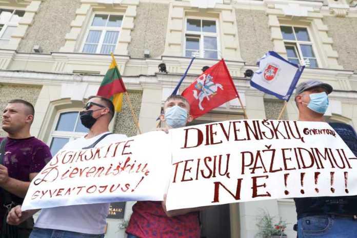 Protest dziewieniszczan w Wilnie przeciwko kwaterowaniu migrantów