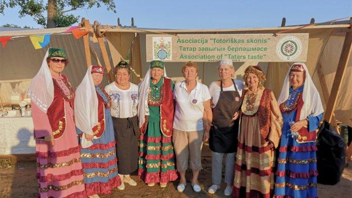 Gastronomiczne tradycje litewskich Tatarów na liście niematerialnego dziedzictwa kulturowego. Społeczność odebrała certyfikat