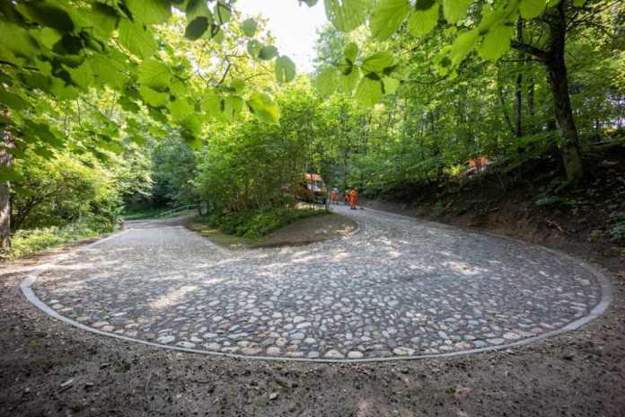 Legendarna serpentyna Tupaciszki, łącząca Dolną i Górną Kolonię Wileńską, odrestaurowana