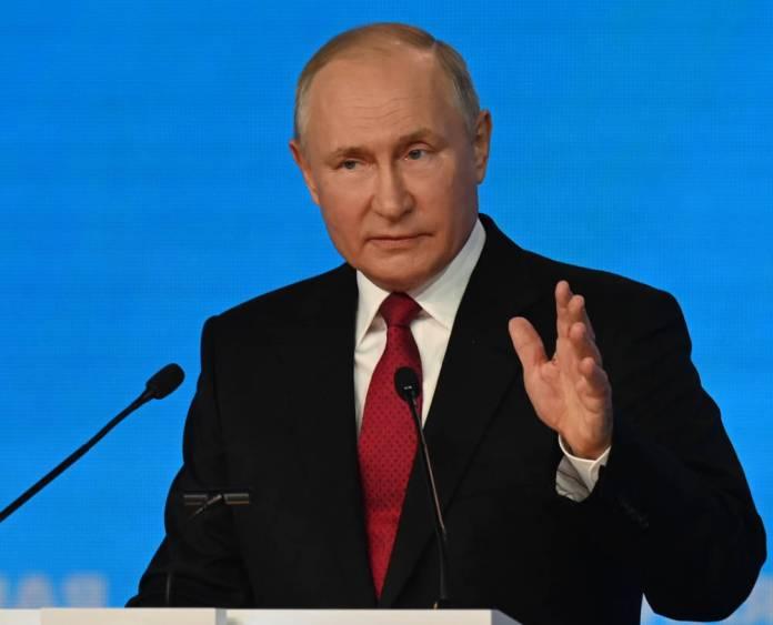 Putin zaprasza Łukaszenkę krótko przed manewrami Zapad-2021