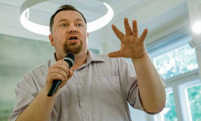 """Romuald Ławrynowicz: """"Człowiek przychodzi na świat z misją"""""""