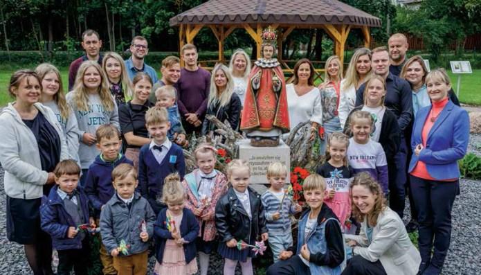 Pod skrzydłami anioła. Pierwsze polskie katolickie przedszkole na Litwie