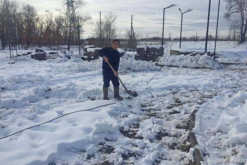 Недостроенный «скейт-парк» ушёл под снег. Каких «подснежников» ожидать?