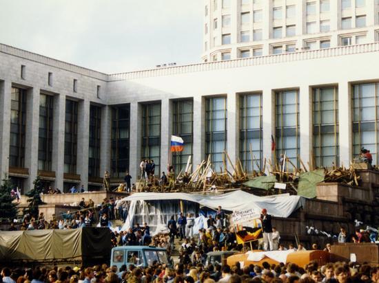 Население не ожидает госпереворота в России в 2019 году