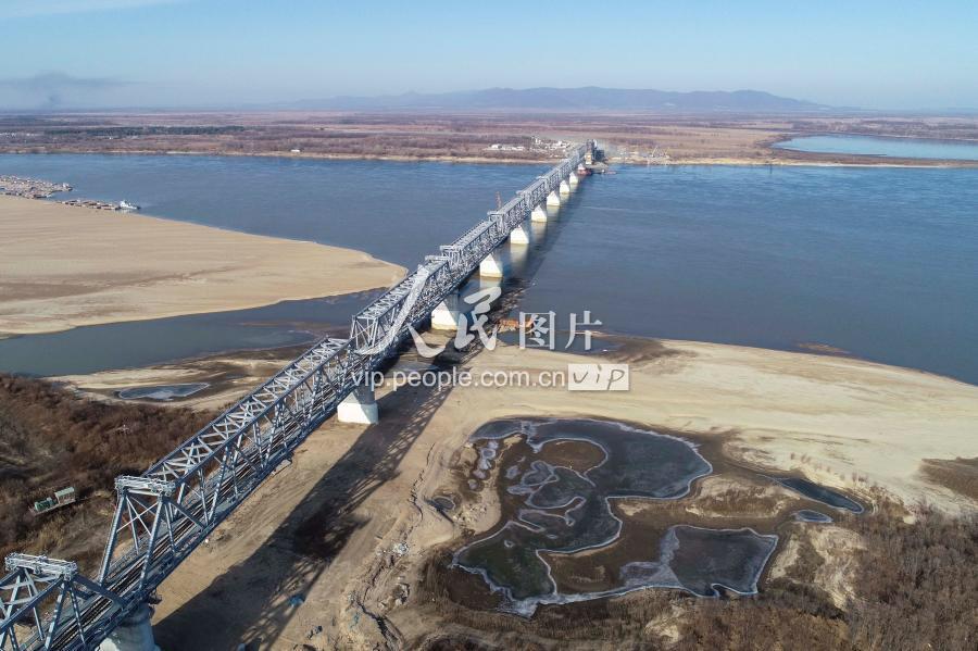 В ЕАО пока достраивают российскую часть моста в Китай. В Китае уже обдумывают создание музея в его честь