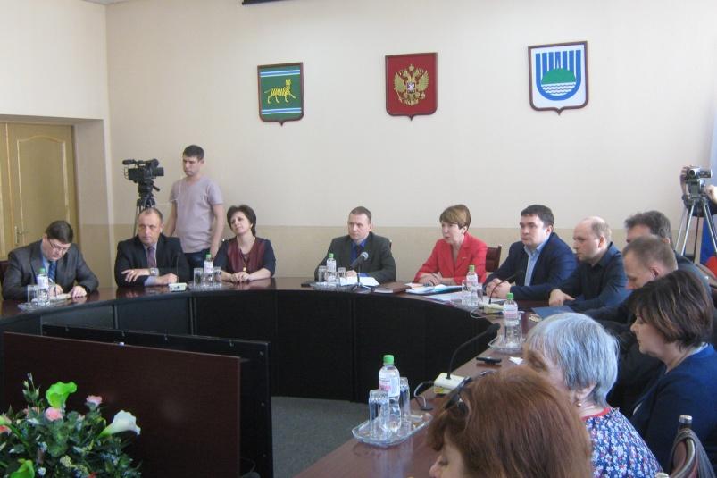Скучный конкурс: в биробиджанской мэрии согласовали двух кандидатов на должность градоначальника