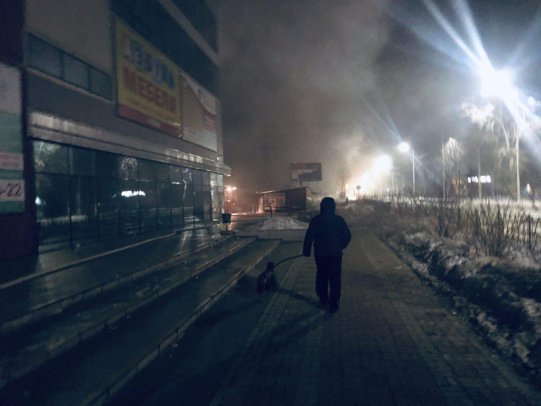 В Биробиджане всю ночь тушили торговый центр «Гигант» (эксклюзивные ФОТО и ВИДЕО)