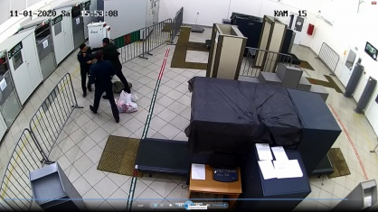 В пункте пропуска Нижнеленинское житель ЕАО отказался показать ввозимые из КНР товары и полез с кулаками на таможенника