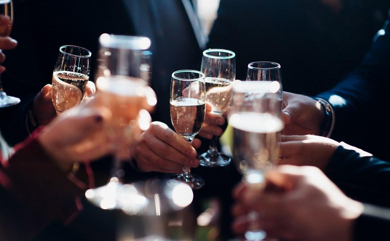 Минфин предлагает повысить цены на водку и другие крепкие напитки