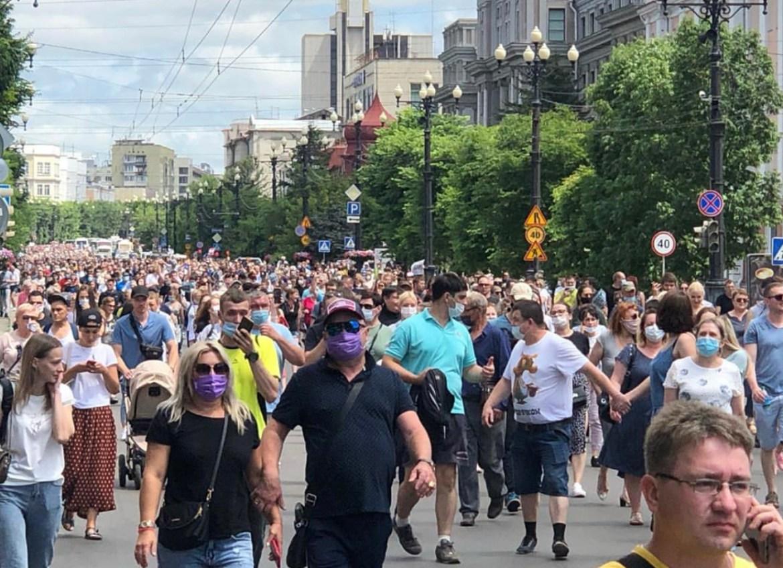Адвокат Фургала: арестованный губернатор благодарит жителей Хабаровского края за митинги, но не одобряет их