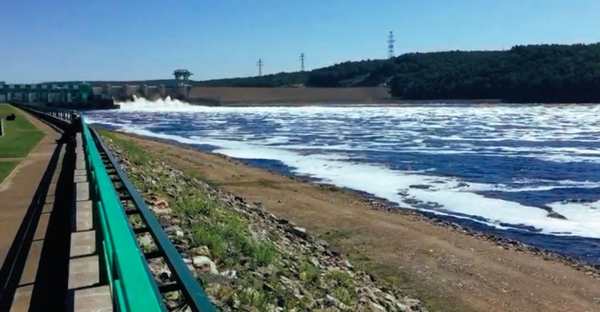 Что происходит на реке Бурея? (ВИДЕО)