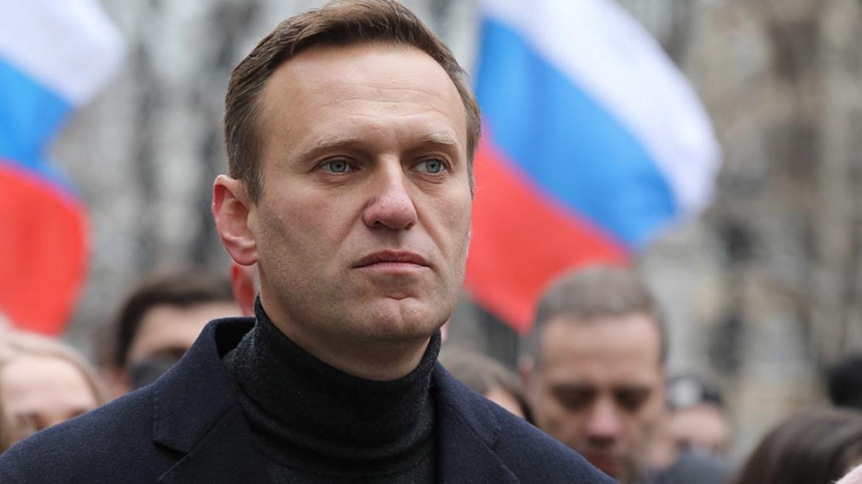 Алексея Навального вывели из искусственной комы