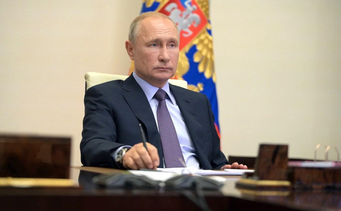 Дочь Путина сделала прививку от COVID-19. Вакцина называется «Спутник V»