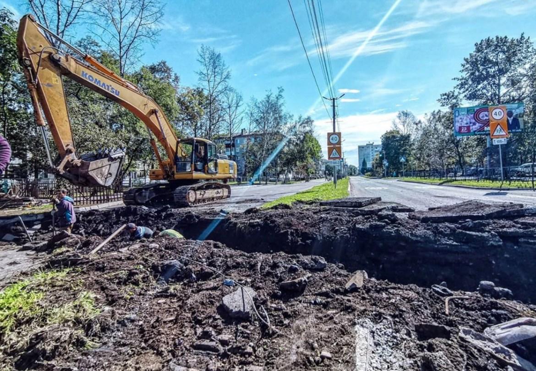В Биробиджане на четыре дня перекрыли участок Пионерской и автомобилисты вкусили пробки