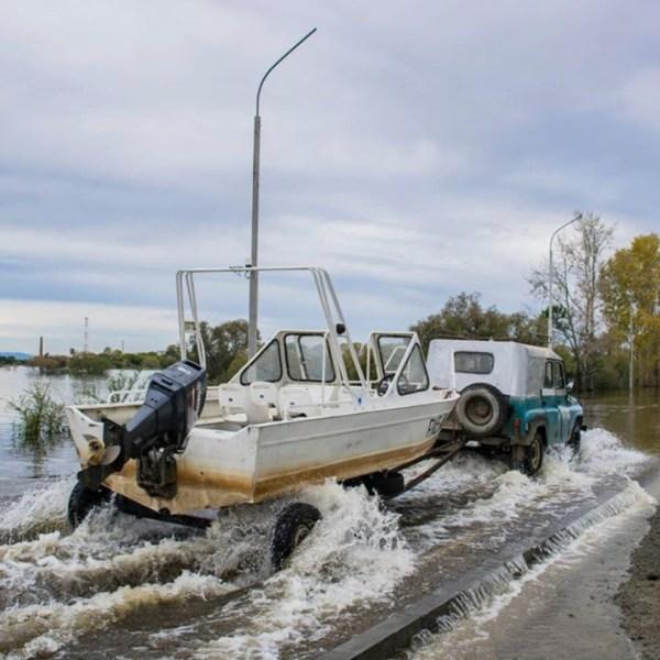 Из-за подъема воды на Зее и Бурее жителей Ленинского района предупредили об угрозе подтопления