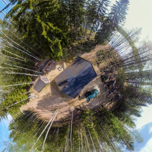 360° view of a Finnish cottage in the woods.
