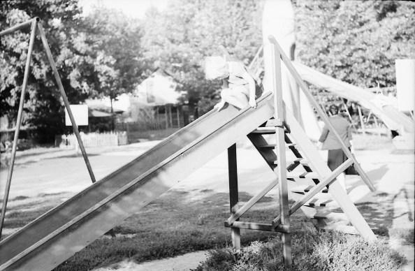 1967_08_na_placu_zabaw_zniwiarze (2)