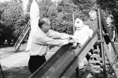 1967_08_na_placu_zabaw_zniwiarze (32)