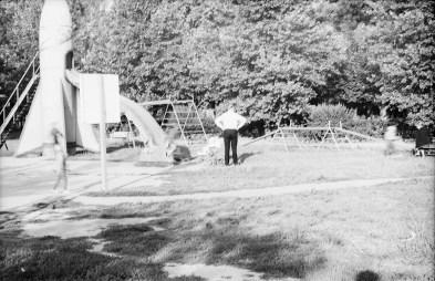 1967_08_na_placu_zabaw_zniwiarze (36)