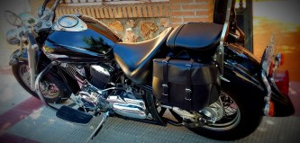 alforja moto custom 10 litros red efecto