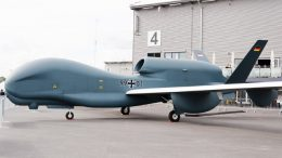 Drone RQ-4A Global Hawk - id.wikipedia.org