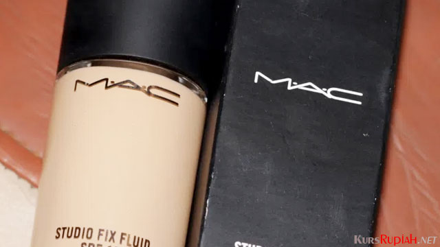 Foundation MAC - (Sumber: makeupandbeautyforever.com)