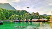 Labengki Beach Hut - www.superadventure.co.id