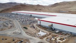 Tesla Gigafactory - (Youtube: Duncan Sinfield)