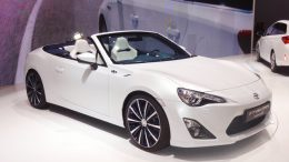 Toyota 86 Atap Terbuka - www.autoexpress.co.uk