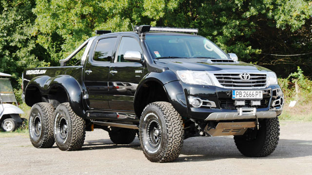 Toyota Hilux 6x6 - thereviewstories.com