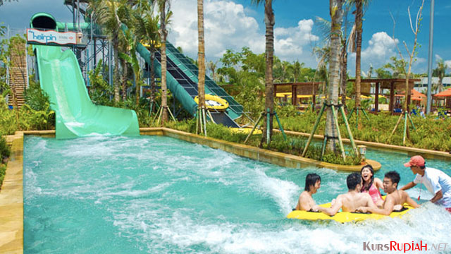 Waterboom PIK - (Sumber: travelspromo.com)