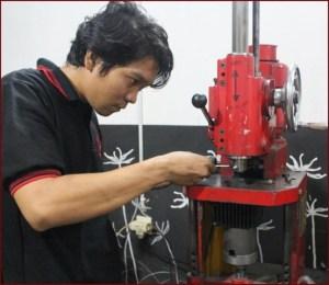 Peluang Usaha Bengkel Motor Ahass Dibandingkan Dengan Usaha Bengkel Motor Biasa