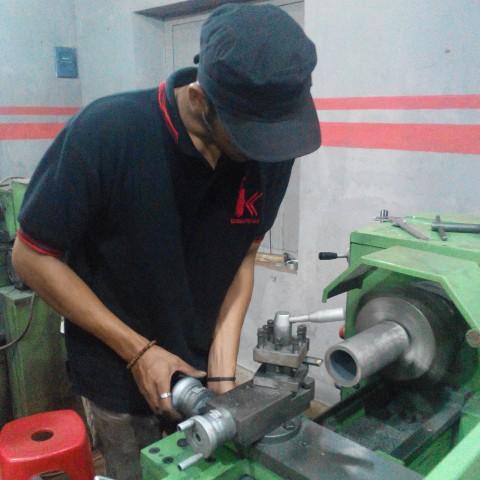 Pelatihan Kursus Mekanik Motor Balap Bergaransi Selamanya