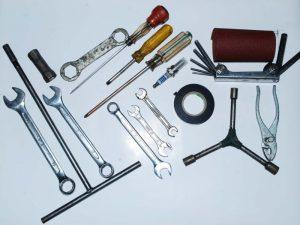 kunci dan peralatan yang di sebaiknya dibawa saat touring