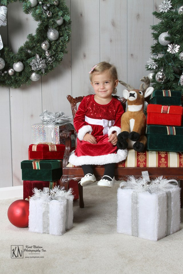 kid photographer that does Christmas photos