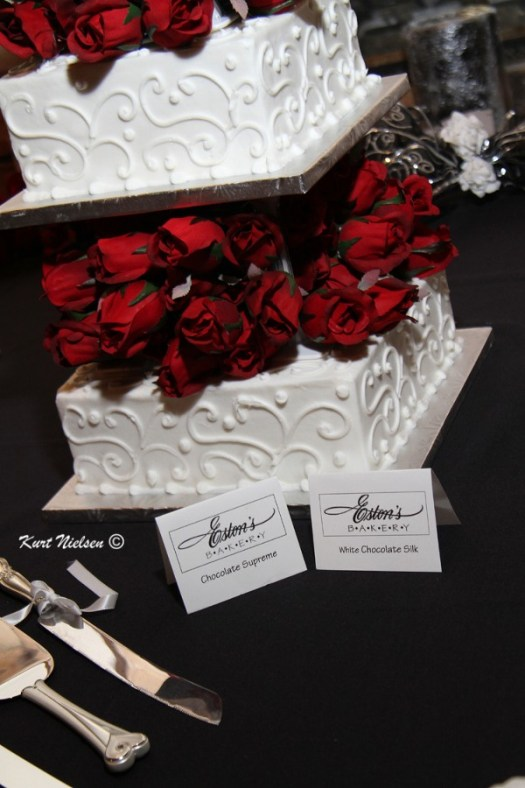 Red Roses on Wedding Cake