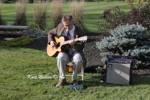Guitarist Tim Oehlers