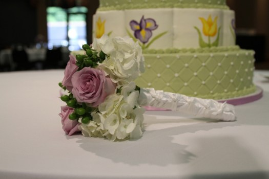 Cake and Bouquet Photos